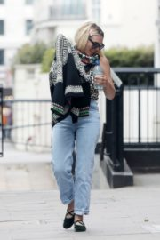 Billie Piper Out and About in London 2020/06/03 3
