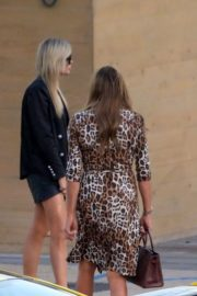 Caitlyn and Kylie Jenner and Sophia Hutchins at Nobu in Malibu 2020/06/10 4