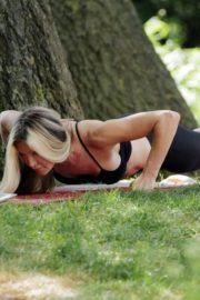 Caprice Bourret Live Streaming Her Online Yoga Classes From a Park in London 06/13 6
