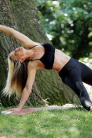 Caprice Bourret Live Streaming Her Online Yoga Classes From a Park in London 06/13 7