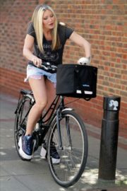 Caprice Bourret Out Riding a Bike in London 2020/06/02 4