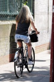 Caprice Bourret Out Riding a Bike in London 2020/06/02 5
