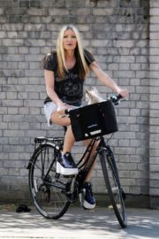 Caprice Bourret Out Riding a Bike in London 2020/06/02 8