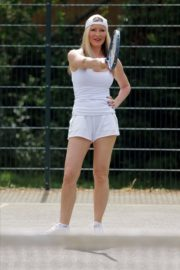 Caprice Bourret Playing Tennis in London 2020/06/05 3