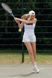 Caprice Bourret Playing Tennis in London 2020/06/05 5