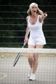 Caprice Bourret Playing Tennis in London 2020/06/05 9
