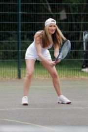 Caprice Bourret Playing Tennis in London 2020/06/05 11