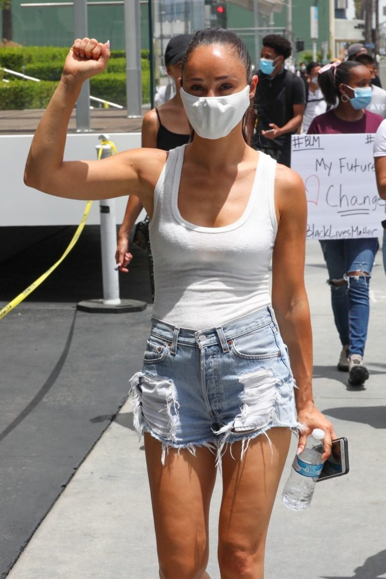 Cara Santana in Blue Denim Shorts During Protest in Los Angeles 2020/06/02 7