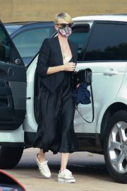 Charlize Theron Out and About in Malibu 2020/06/21 10