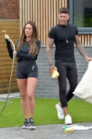 Charlotte Crosby Washing Her Car with Boyfriend in Newcastle 2020/06/04 5