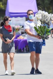 Courteney Cox and Johnny McDaid at Farmer's Market in Malibu 2020/06/07 7