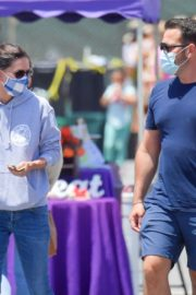 Courteney Cox Shopping at Farmer's Market in Malibu 2020/06/14 3