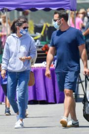 Courteney Cox Shopping at Farmer's Market in Malibu 2020/06/14 5