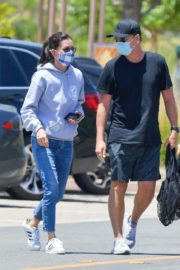 Courteney Cox Shopping at Farmer's Market in Malibu 2020/06/14 7