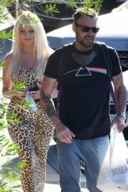 Courtney Stodden and Brian Austin Green Out for Lunch in Los Angeles 2020/06/13 5