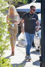 Courtney Stodden and Brian Austin Green Out for Lunch in Los Angeles 2020/06/13 6