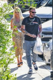 Courtney Stodden and Brian Austin Green Out for Lunch in Los Angeles 2020/06/13 8