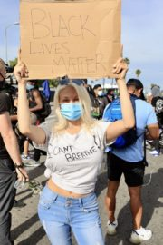 Courtney Stodden at a Black Lives Matter Protest in Los Angeles 2020/06/01 1
