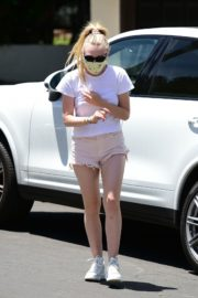 Dakota Fanning in Shorts Wearing a Mask Out in Los Angeles 2020/06/08 11