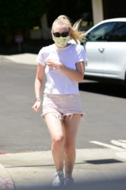 Dakota Fanning in Shorts Wearing a Mask Out in Los Angeles 2020/06/08 12