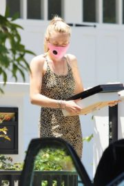 Dakota Fanning Out Shopping in Los Angeles 2020/06/19 1