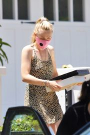 Dakota Fanning Out Shopping in Los Angeles 2020/06/19 2
