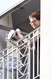 Debra Messing Cheering First Responders from Her Balcony in New York 2020/06/15 5