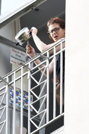 Debra Messing Cheering First Responders from Her Balcony in New York 2020/06/15 7