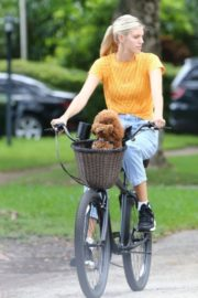 Devon Windsor Out Riding a Bike with Her Dog in Miami 2020/06/06 2