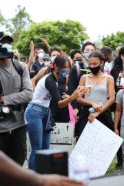 Eiza Gonzalez at a Black Lives Matter Protest in Los Angeles 2020/06/06 1