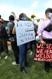Eiza Gonzalez at a Black Lives Matter Protest in Los Angeles 2020/06/06 7