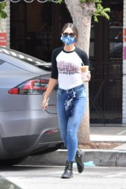 Eiza Gonzalez Out for Coffee in Los Angeles 2020/06/06 6