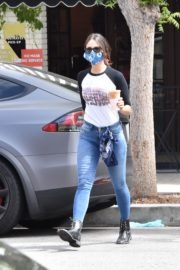 Eiza Gonzalez Out for Coffee in Los Angeles 2020/06/06 8