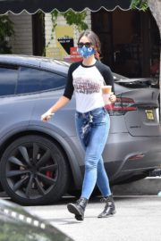 Eiza Gonzalez Out for Coffee in Los Angeles 2020/06/06 13