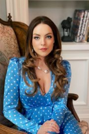 Elizabeth Gillies at a Photoshoot 2020/04/02 4
