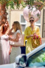 Elle and Dakota Fanning at a Birthday Party in Studio City 2020/06/15 12