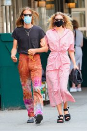 Elsa Hosk and Tom Daly Wearing Masks Out in New York 2020/06/10 4