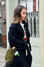 Emilia Clarke Out with Her Dog in London 2020/06/06 1