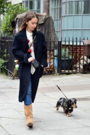 Emilia Clarke Out with Her Dog in London 2020/06/06 4