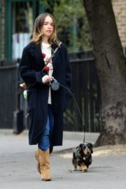 Emilia Clarke Out with Her Dog in London 2020/06/06 13