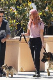 Emma Slater Out with Her Dogs in Los Angeles 2020/06/14 4