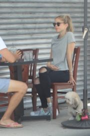 Erin Moriarty Out for Lunch in Hollywood 2020/06/14 4