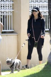 Eva Longoria Out with Her Dog in Beverly Hills 2020/06/08 3