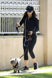Eva Longoria Out with Her Dog in Beverly Hills 2020/06/08 7