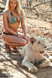 Genevieve Morton for Sports Illustrated Swimsuit 2012 4
