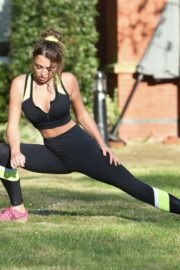 Georgia Harrison Workout at a Park in Chigwell 2020/06/13 3