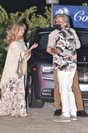 Goldie Hawn and Kurt Russel Out for Dinner in Malibu 2020/06/10 3