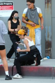 Halsey Out to Protest with Friends in Los Angeles 2020/06/04 5
