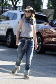 Helen Hunt Out and About in Brentwood 2020/06/12 4