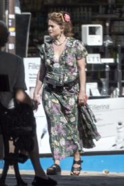 Helena Bonham Carter Out with her friends in London 2020/06/01 3